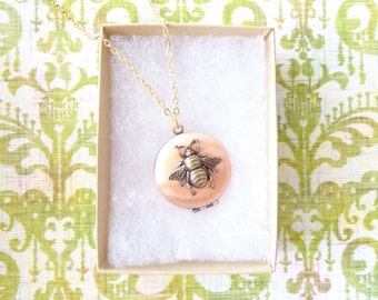 Copper Bee Locket - Bumble Bee Locket - Bumblebee - Round Locket - Photo Locket - Woodland - Flying Insect - Moth - Fly - Wings