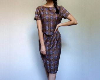 Tribal Print Dress Two Piece Outfit 1960s Scalloped Top Skirt Set 60s Novelty Print Brown Button Up Blouse - Small to Medium S M