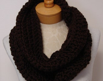 chunky crochet cowl  in brown