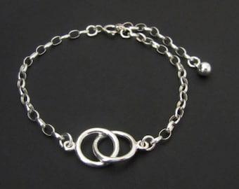Eternity Circle Bracelet, Eternity Bracelet, Sterling Silver, Sisters Bracelet, best friends bracelet, gift for mom, gift for her