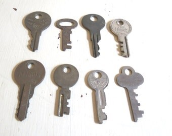 Vintage Lot of Small Keys Findings Assemblage Craft Supplies
