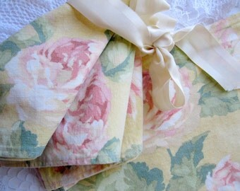 Set of Four, Napkins, Roses Napkins, Yellow and Pink, Cottage Charm, French Country, by mailordervintage on etsy