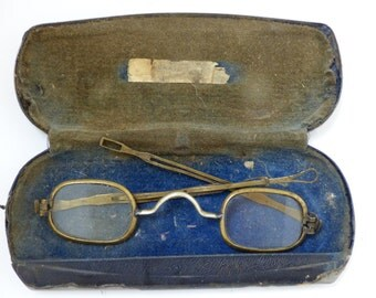 Antique Optical 1700s to early 1800s Eyeglasses with Case // Industrial Revolution // 18th Century Glasses Frames
