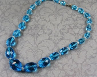 Vintage Teal Blue Graduated Faceted Glass Beaded Necklace