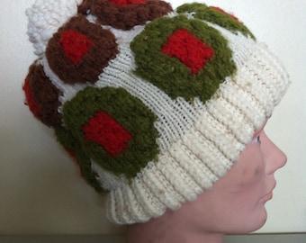 Vintage Knit Hat // Pimento Olive Beanie // Black & Green Stuffed Olive Knitted Tuque // Bobble Pom-Pom Cap Toboggan