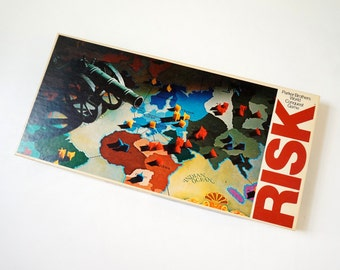Parker Brothers Risk World Conquest Board Game 1975 VGC / Complete