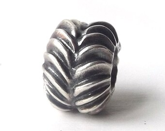 discontinued authentic genuine pandora charm 9.25 sterling silver chevron bead black lines arrow tread accessory accessories bracelet