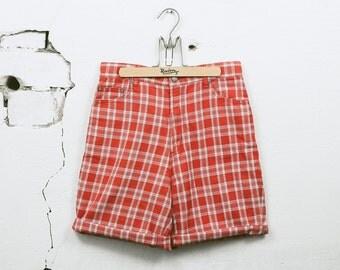 Vintage 90s PLAID Checkered Shorts . Men's 1990s Red Cotton Chino Plain Bermuda Shorts Boyfriend Summer Shorts . size Small W30