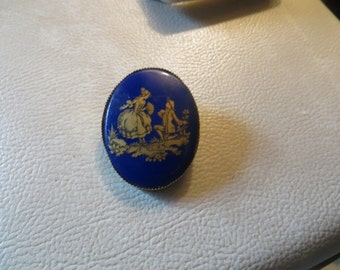 stunning  antique  cobalt blue glass  cameo  stone Hand painted in gold Victorian couple oval brooch