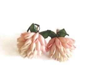 vintage 1940's Seashell Earrings, screw backs Pretty Pink