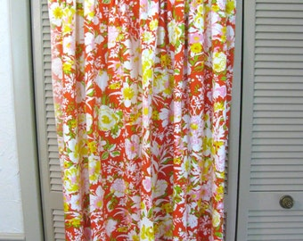 "Vintage Drapes / Curtaina - 1970s Floral Custom Made Pair of Lined Drapes 32"" W by 50"" L Each Panel- Retro Chic - Best Quality"