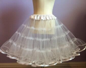 White tulle petticoat 1950s Style fluffy white petticoat