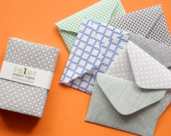 30 Mini envelope in assorted patterns / Made with used envelope / Great for wedding reception and parties, super cute, eco friendly
