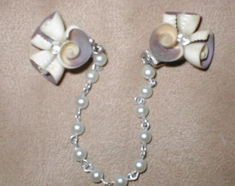 Vintage 1950's  Pearl Sweater Guard Clip Chain