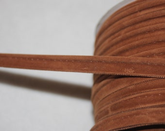 """6 yards of caramel tan / brown velveteen NON stretch piping.  1/2"""" wide r221"""