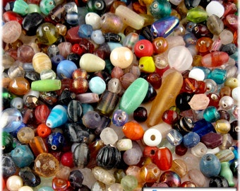 1oz=28g Bulk assorted shapes and sizes 6-12mm glass beads