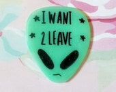 Aliens, UFO, I want to leave, brooch, Holographic glitter, green pin, tumblr, 90's pin style,  jean jacket, too sassy