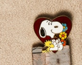 Vintage Snoopy Pin with Woodstock - heart and flowers - Love Peanuts Valentines Day Beagle Daisy Enameled - Aviva Taiwan United Features