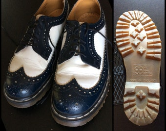 Vintage Dr. Doc Martens Wingtips White and Dark Blue Leather Shoes Men's size 7 made in England