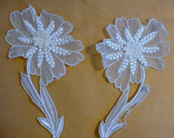 """Pair, Pina Silk Flower Appliques, 5 1/2""""x3"""" White Lace Appliques, 1940's Vintage Sewing Supply, 14cm"""
