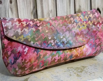 The Hadley Batik Houndstooth Fabric Clutch