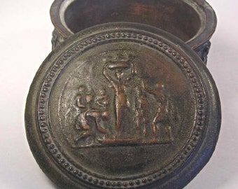 An Antique Chewell Pottery Bronze Box T44