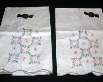 2 Vintage Embroidered Linen Hand Towels Never Used Still Has Original Stickers Circa 1950's