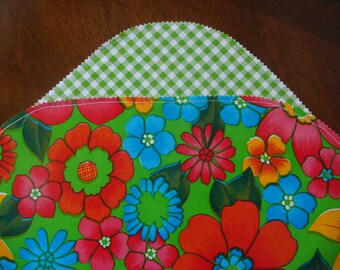 Party Oilcloth Placemats with Green Gingham