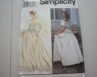 Pattern Ladies Wedding Gown Sizes 12 to 16 Vintage Simplicity 8243