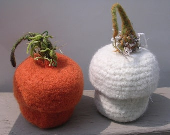 Pumpkisn Felted Wool Bowl ADORABLE !  Free Shipping