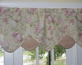 Free Shipping..Vintage Flowered Valance 60 wide