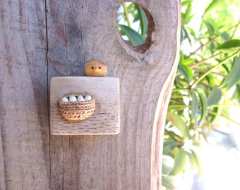 Miniature nest with bird, minimalist wall art, simple home decor, nest with eggs, miniature wood carving, unique miniature art