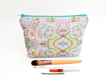 Rainbow Abstract Print - Colorful Organic Drawing Makeup Bag - Large Zipper Pouch
