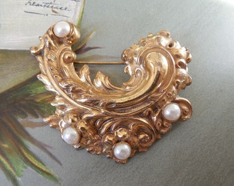 1940s MIRIAM HASKELL Russian Gold Swirl & Pearls Brooch