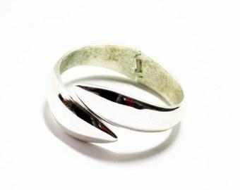 Silver Bracelet- Clamp Bangle- Hinged Bangle-1980s Bracelet- Snake Bangle- Heavy Bangle- Abstract Bangle- Modern Bracelet