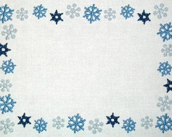 Blue snowflake embroidered quilt label to customize with your personal message