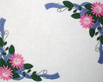Ribbon & floral embroidered quilt label to customize with your personal message