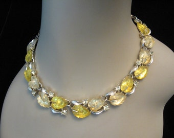 Vintage LISNER Yellow Jelly Lucite Leaf & Rhinestone Necklace