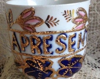 A PRESENT~Victorian Flow Blue Mug~Heavy Raised Gold Outlining~FABULOUS!