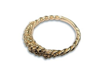 Encrusted ring, 9ct Gold,  Signature Collection