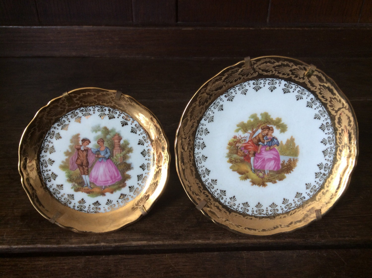 Vintage french la reine limoges porcelaine courting couple - Estampille porcelaine limoges ...