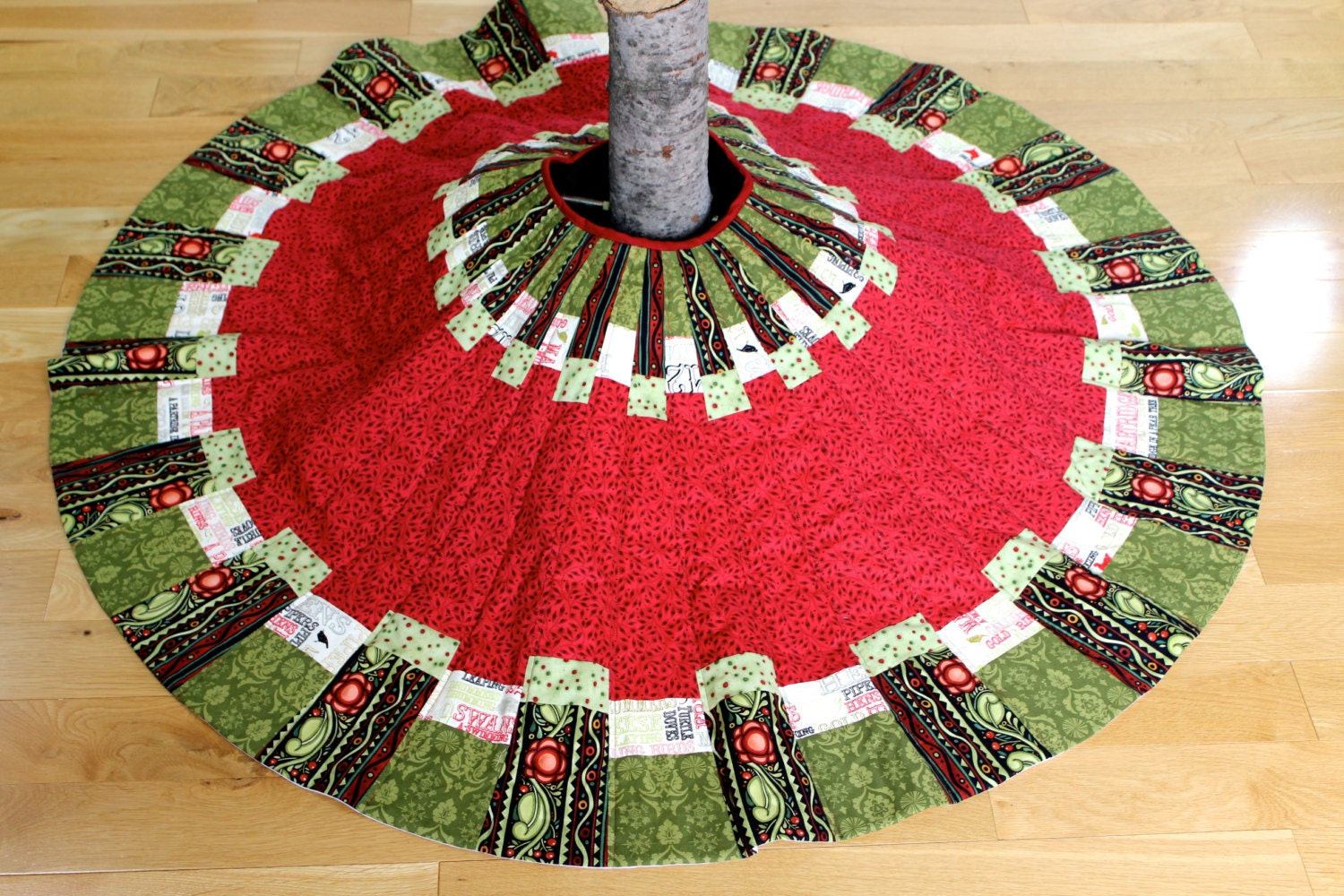 Quilted Christmas Tree Skirt Traditional Patchwork Quilted