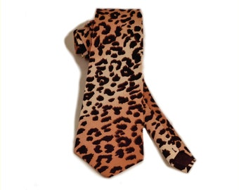 Jungle cat spotted neck tie for men