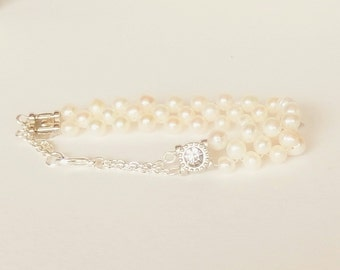 Fresh water Pearl bracelet with white pearls, White rhinestones and silver chain, Bridal jewelry