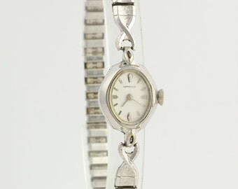 Caravelle Women's Wrist Watch - Mechanical Ladies 17 Jewel Vintage A7570