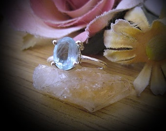 Genuine AQUAMARINE Centered in 925 Sterling Silver Ring (Stamped), Size 7