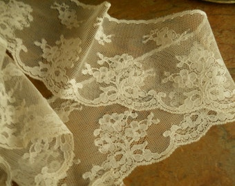 Vintage White Roses Lace On Netted Background Scalloped Edge 2 and a half Inches Wide Almost 3 Yards Long Vintage Lace Sewing Supplies