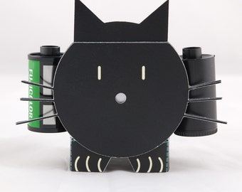 Uma cat-camera DIY Paper Pinhole camera
