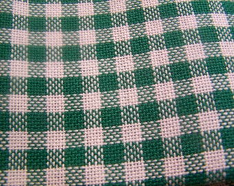 """28 Count 11"""" x 15"""" Bright Green Specialty Guildford Gingham Craft Fabric for Stitching"""