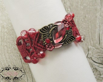 Macrame Bracelet in red and gold